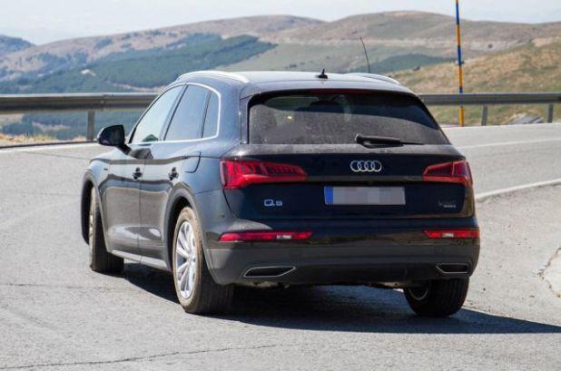 2019 Audi Q5 Hybrid rear