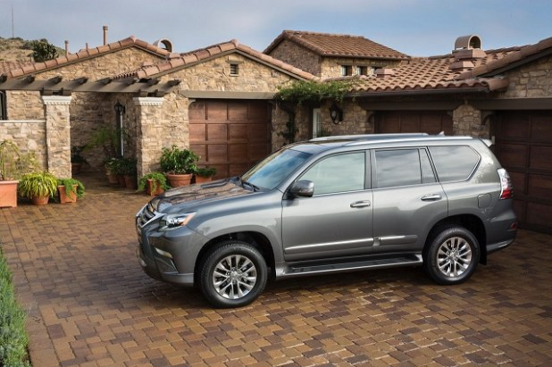 2019 Lexus GX 460 side view