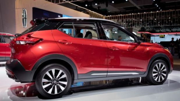 2019 Nissan Kicks side