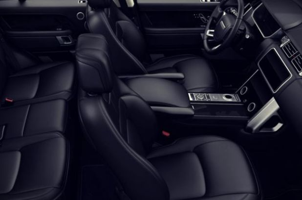 2019 Range Rover Vogue interior