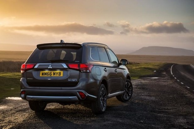 2020 Mitsubishi Outlander rear view