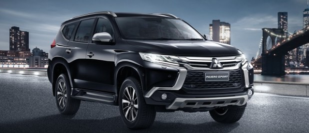 2019 Mitsubishi Pajero front view
