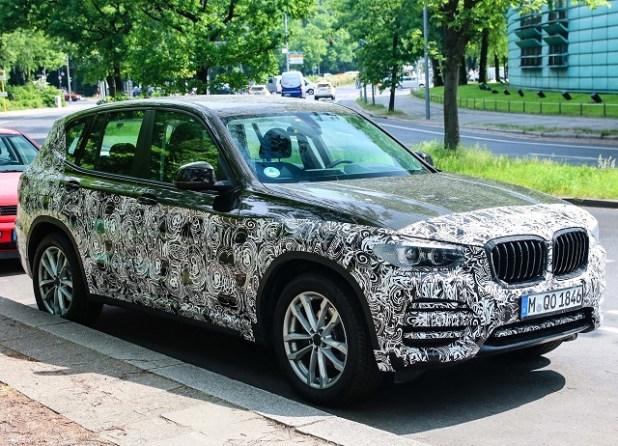 2020 BMW X5 side view