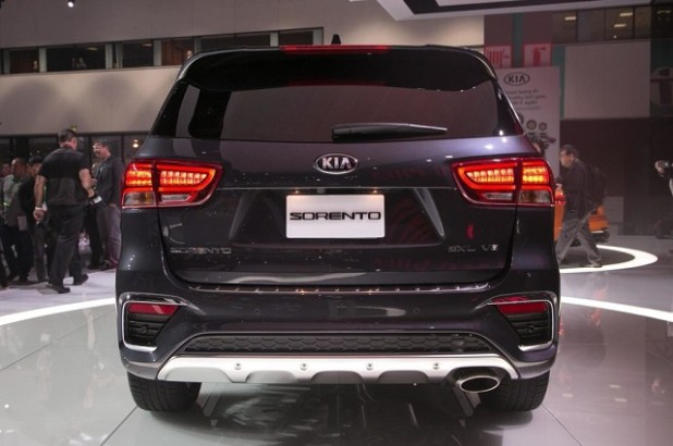 2020 Kia Sorento rear view