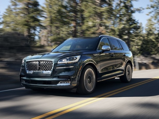 2020 Lincoln Aviator front view