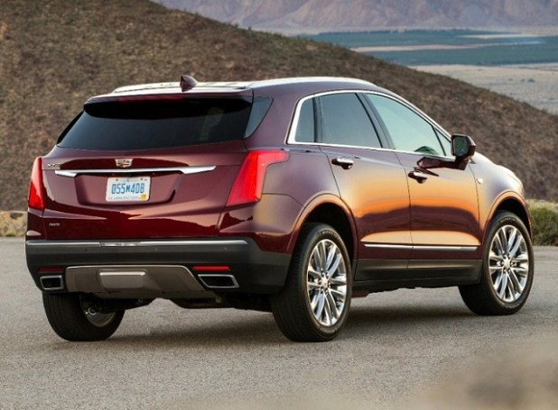 2020 Cadillac XT5 rear view