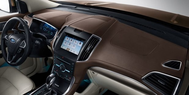 2020 Ford Edge dashboard