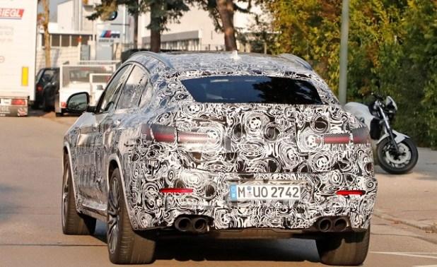 2020 BMW X4 rear view