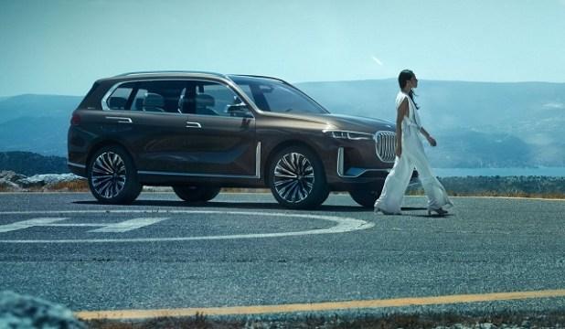 2020 BMW X8 side view