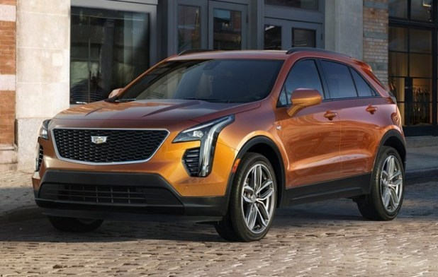 2020 Cadillac XT4 front view