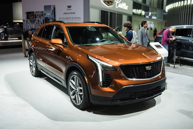 2020 cadillac xt4 release date and price