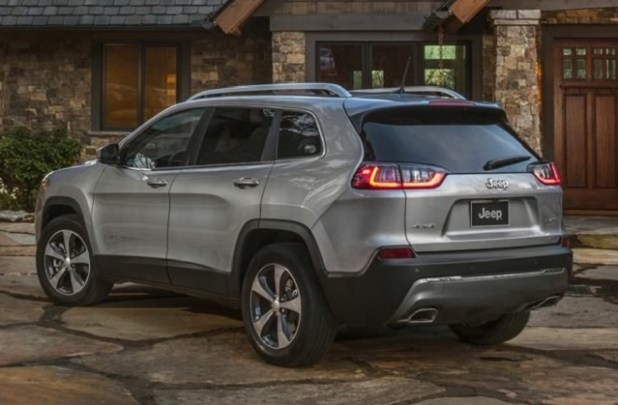 2020 Jeep Cherokee rear view