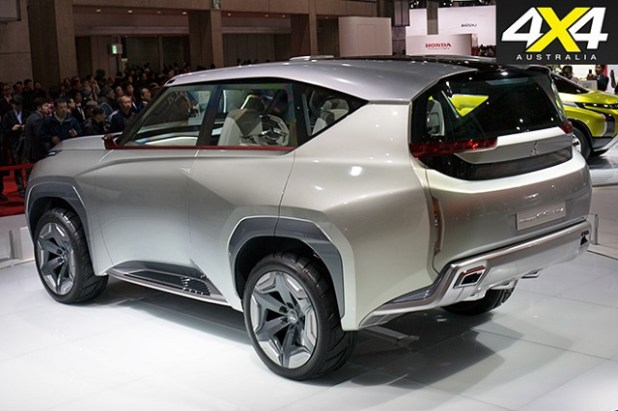 2020 Mitsubishi Pajero rear view