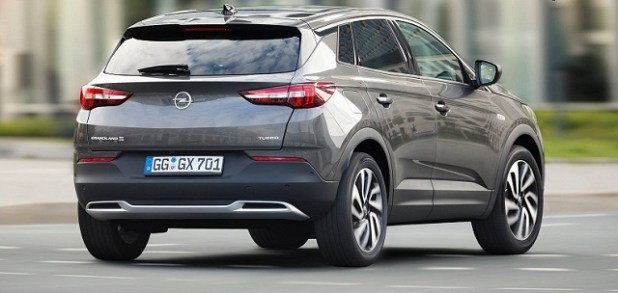 2020 opel grandland X rear view