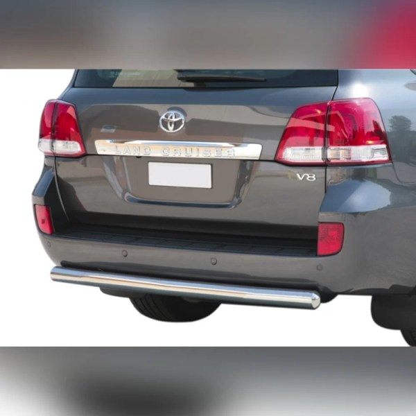 PROTECTION ARRIERE INOX SUR TOYOTA LAND CRUISER V8 200 2008-2012