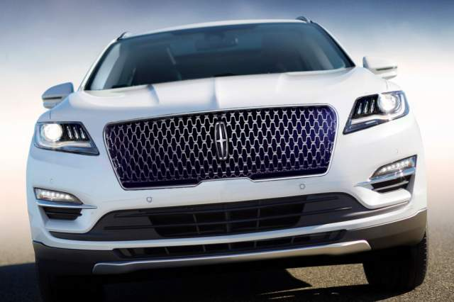 2019 Lincoln MKC front