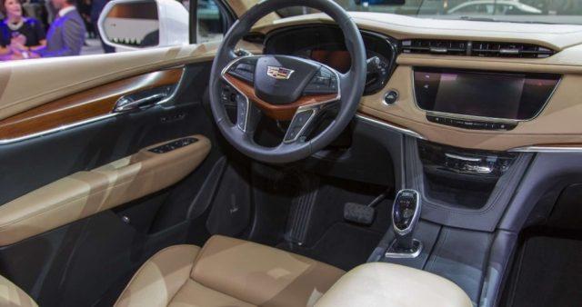 2019 Cadillac XT5 interior