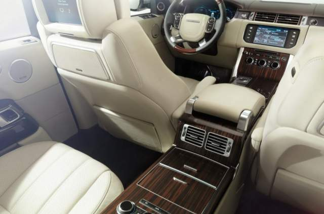 2019 Range Rover Vogue interior