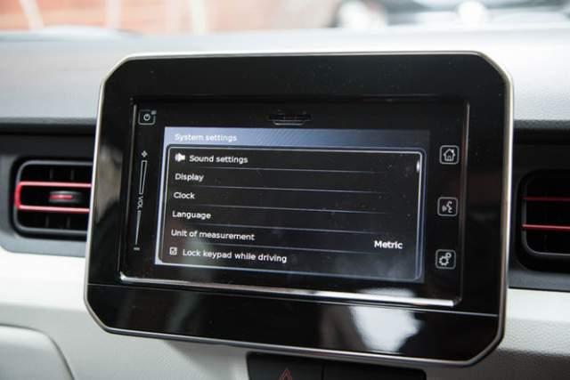 2019 Suzuki Jimny touchscreen
