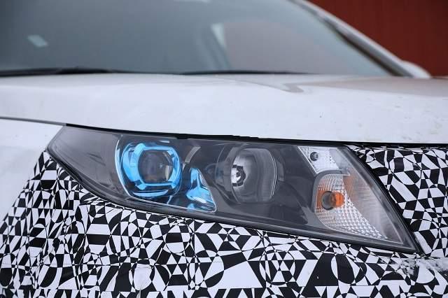 2019 Suzuki Vitara headlight