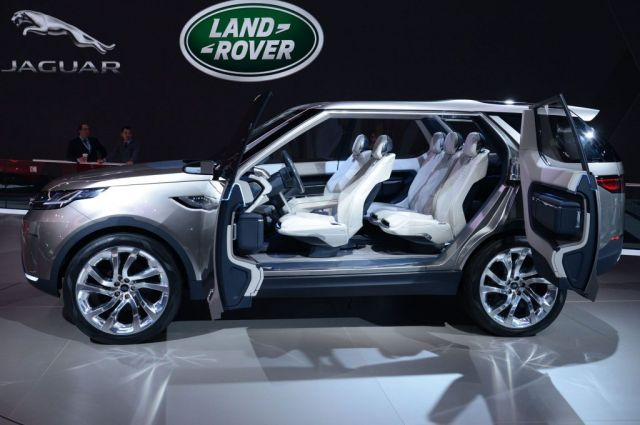 2019 Land Rover Discovery side