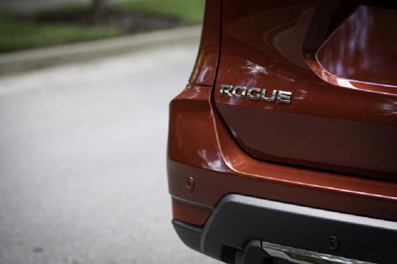2020-Nissan-Rogue-redesign.jpg