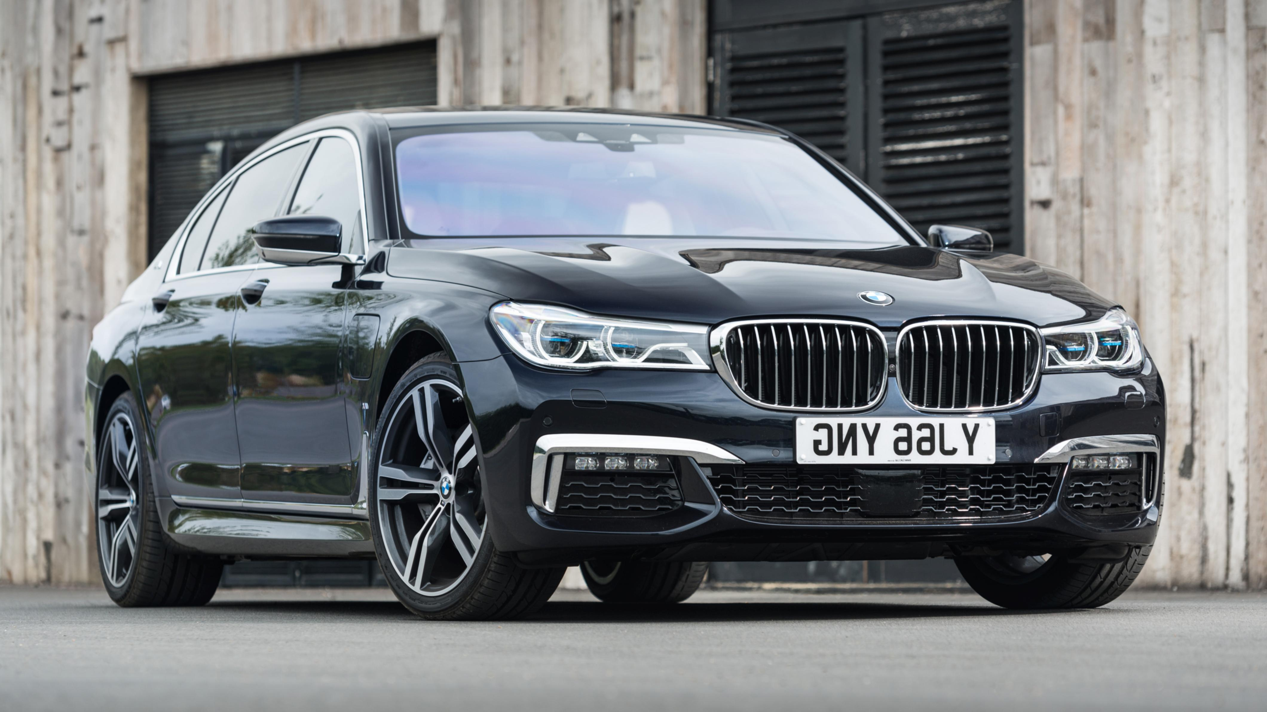 2020 BMW 7 Series Wallpapers
