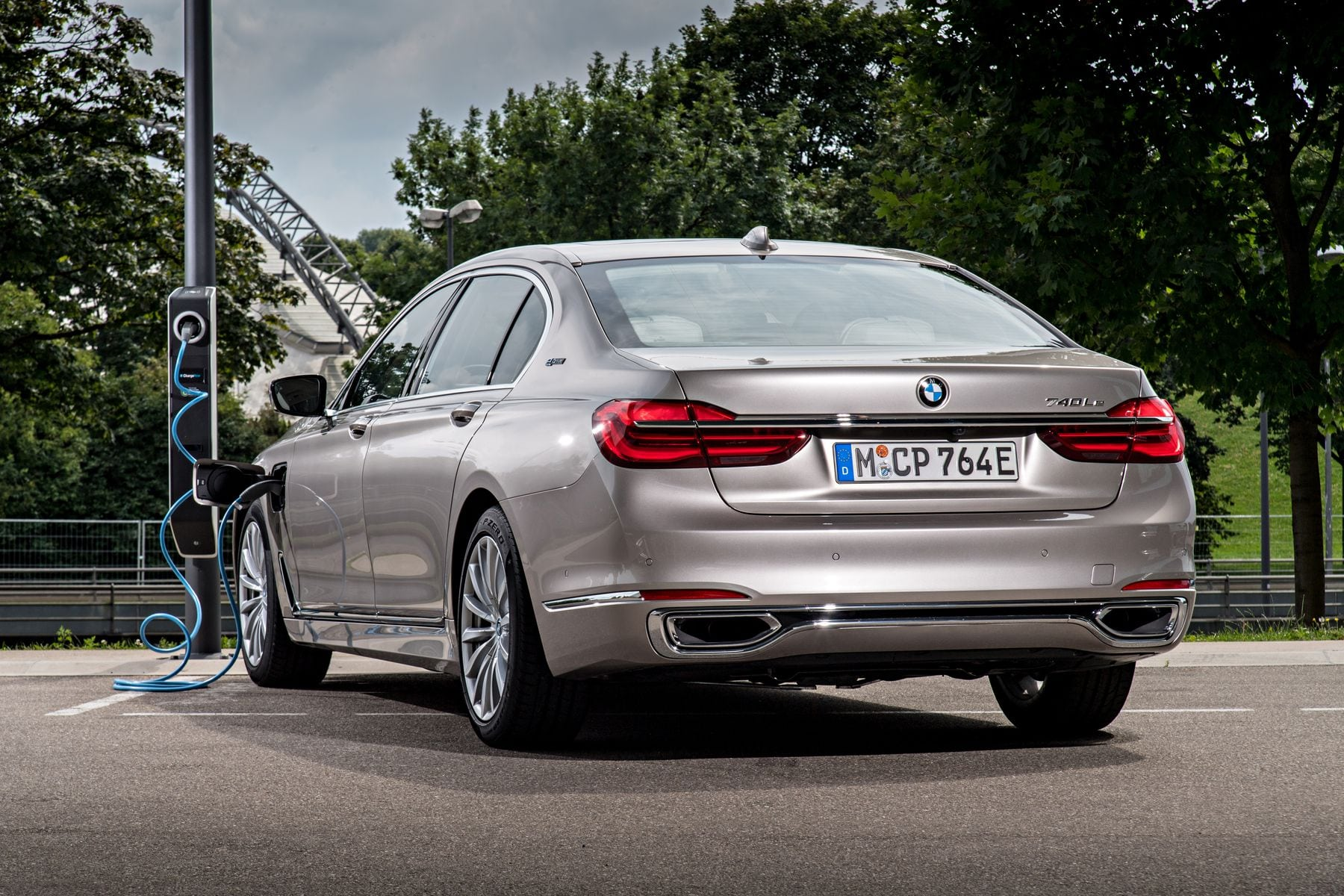 2020 BMW 740Le Concept
