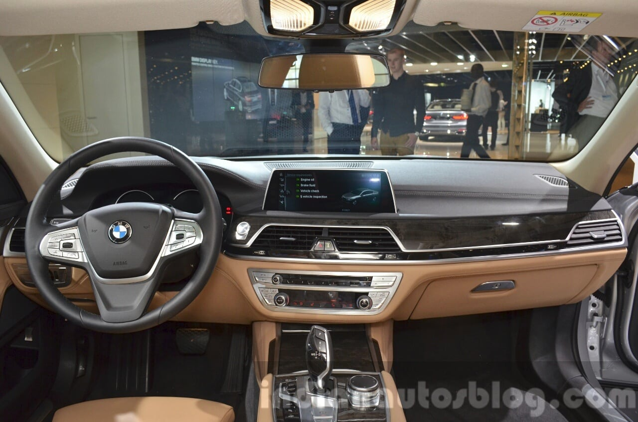 2020 BMW 740Le Powertrain