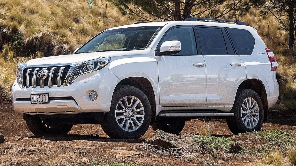 2019 Toyota Land Cruiser Prado Wallpaper
