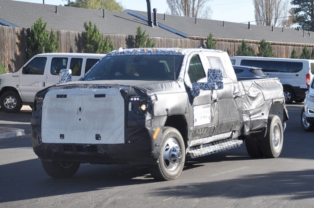 2020 GMC Sierra HD Engine