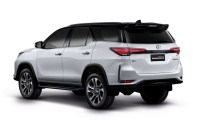 2021 Toyota Fortuner Spy Photos