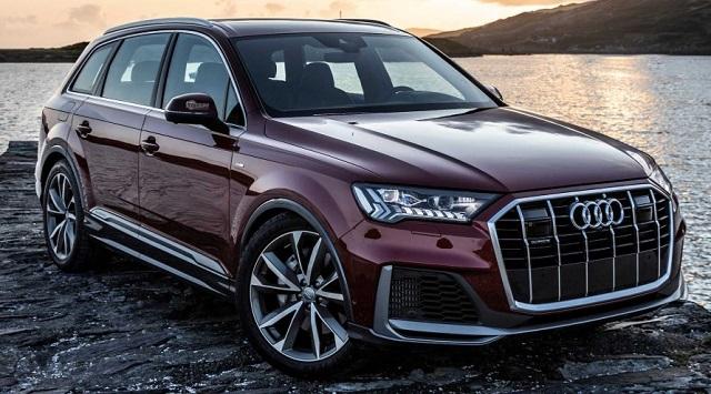 2022 Audi Q7 side