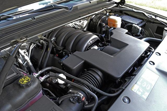 2022 Chevrolet Suburban engine