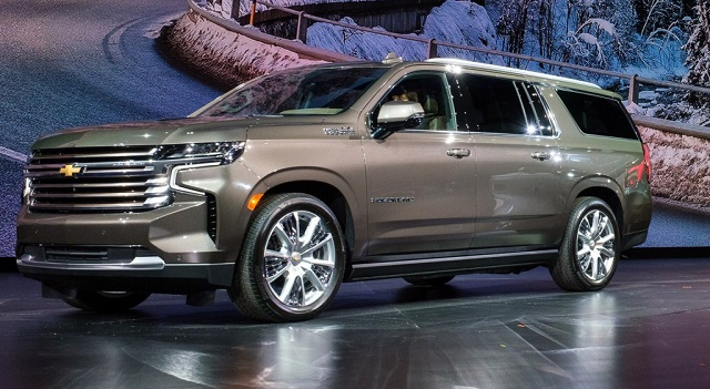 2022 Chevrolet Suburban front