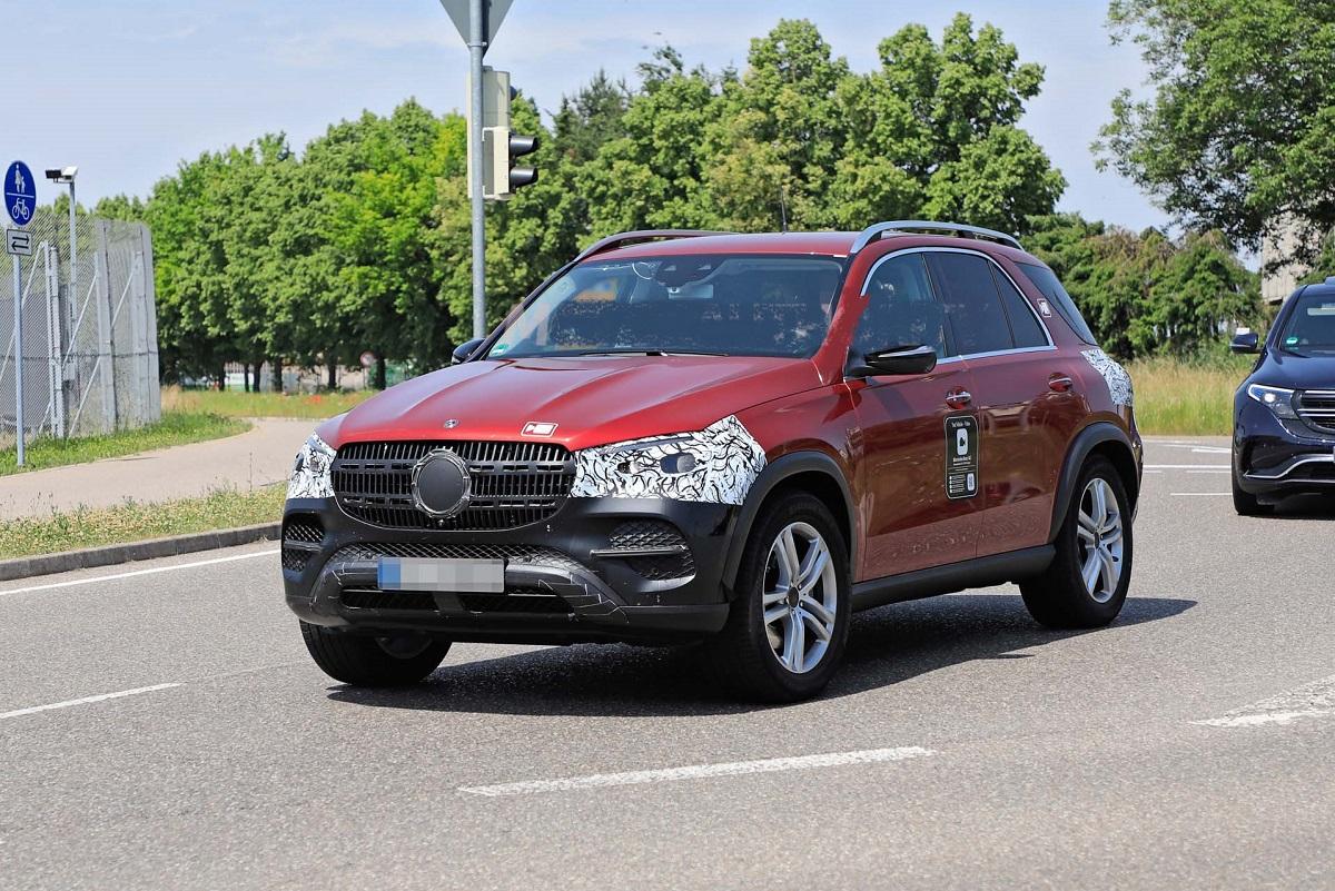 2023-Mercedes-Benz-GLE-front.jpg