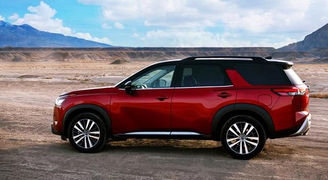 2023 Nissan Pathfinder side