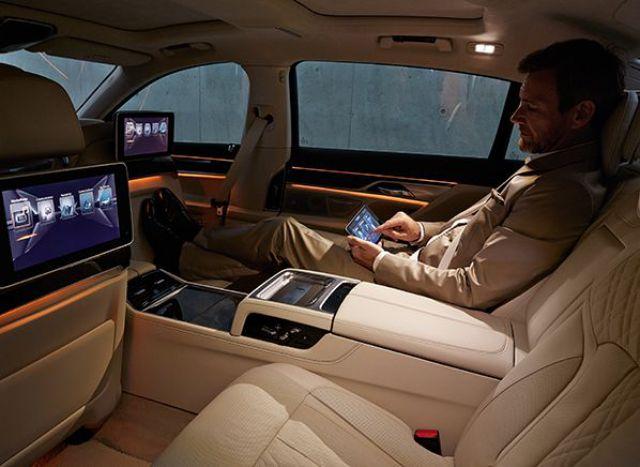 2019 BMW X2 interior