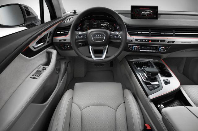 2019 Audi Q7 interior