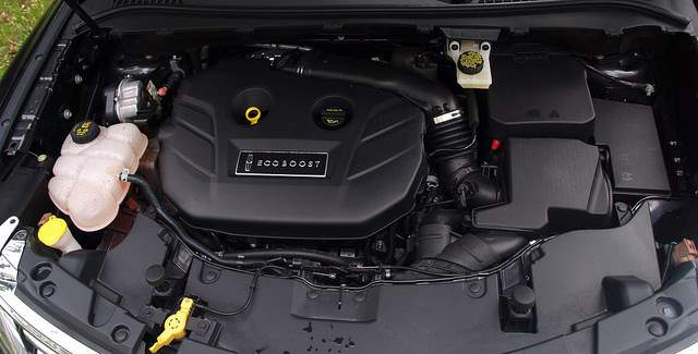 2019 Lincoln MKC engine