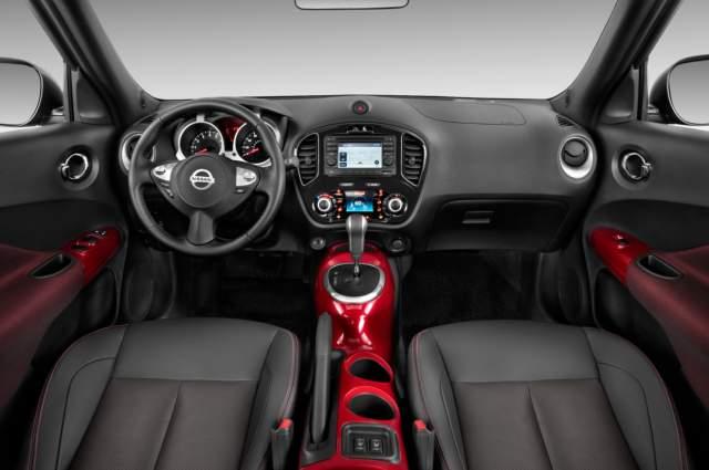2019 Nissan Juke interior
