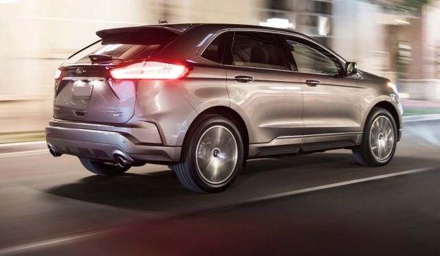 2019 Ford Edge Titanium Elite Package side