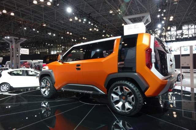 2019 Toyota FJ Cruiser FT-4X concept side