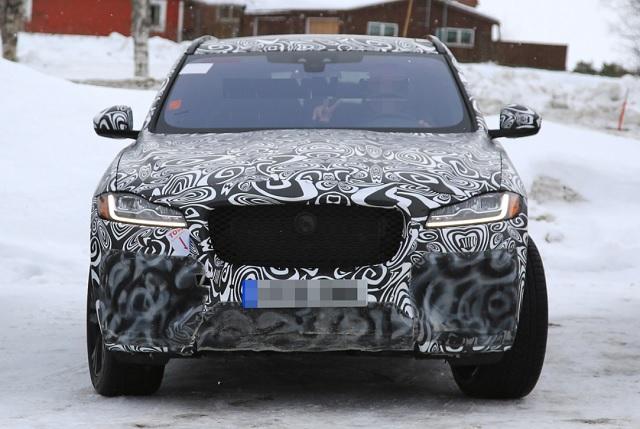 2019 Jaguar F-Pace SVR spied
