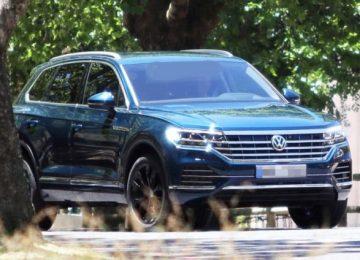 2019 VW Touareg front