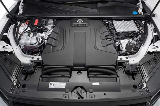 2019 VW Touareg engine