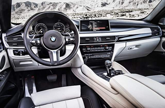 2019 BMW X6 interior