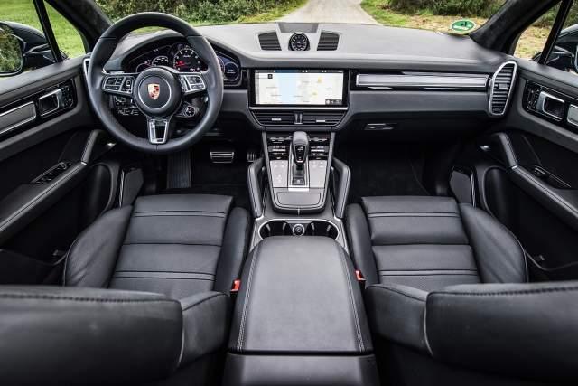 2019 Porsche Cayenne Turbo interior