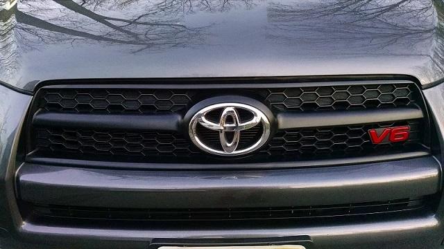 2022 Toyota Sequoia v6