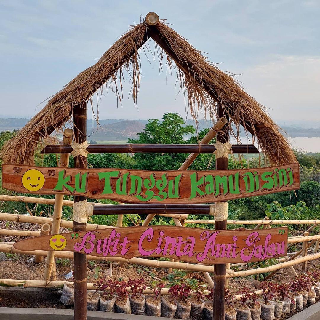 Bukit Cinta Anti Galau Cirebon